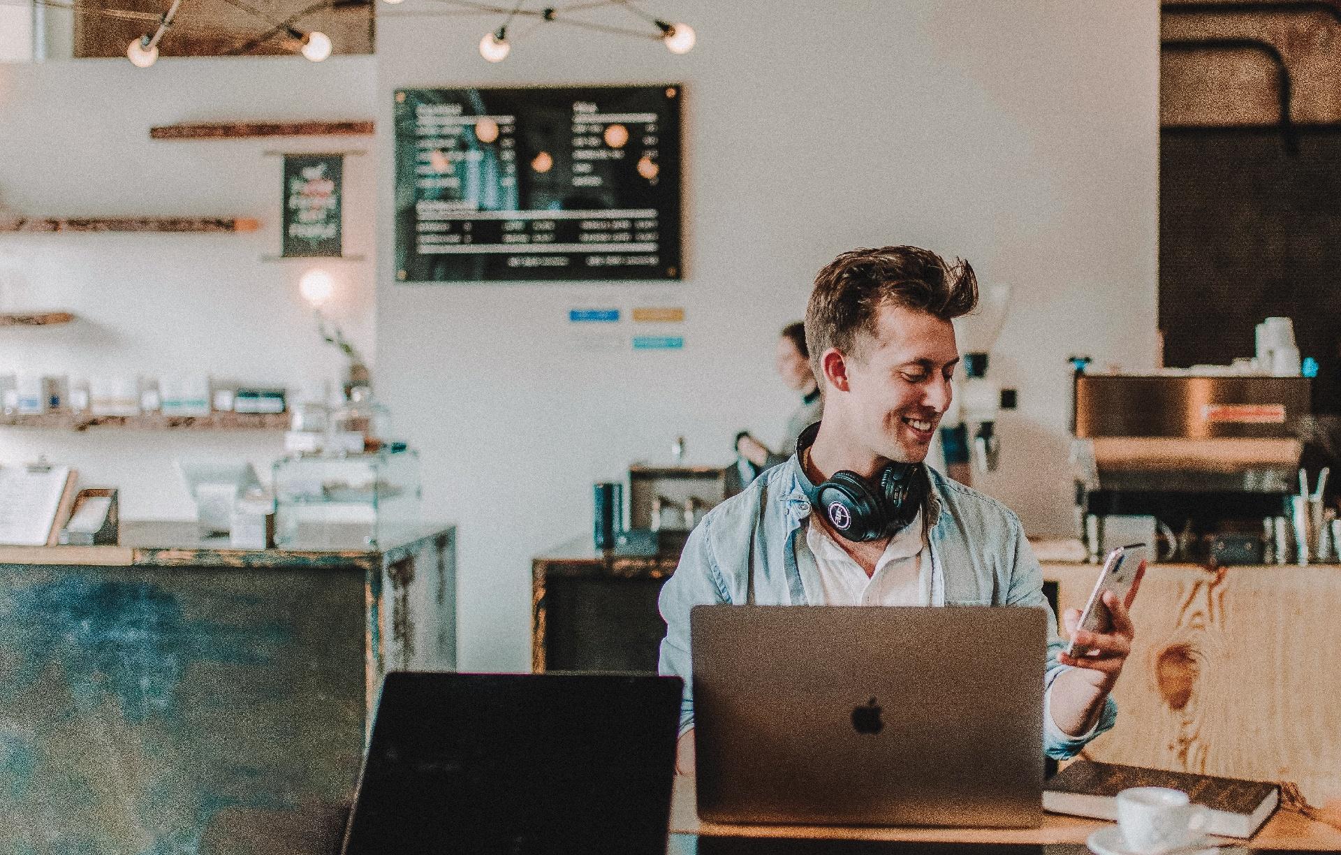Die neue Version der ServiceNow-Plattform unterstützt Unternehmen bei den grössten Herausforderungen der hybriden Arbeitswelt_cmm360_Photo by Austin Distel on Unsplash