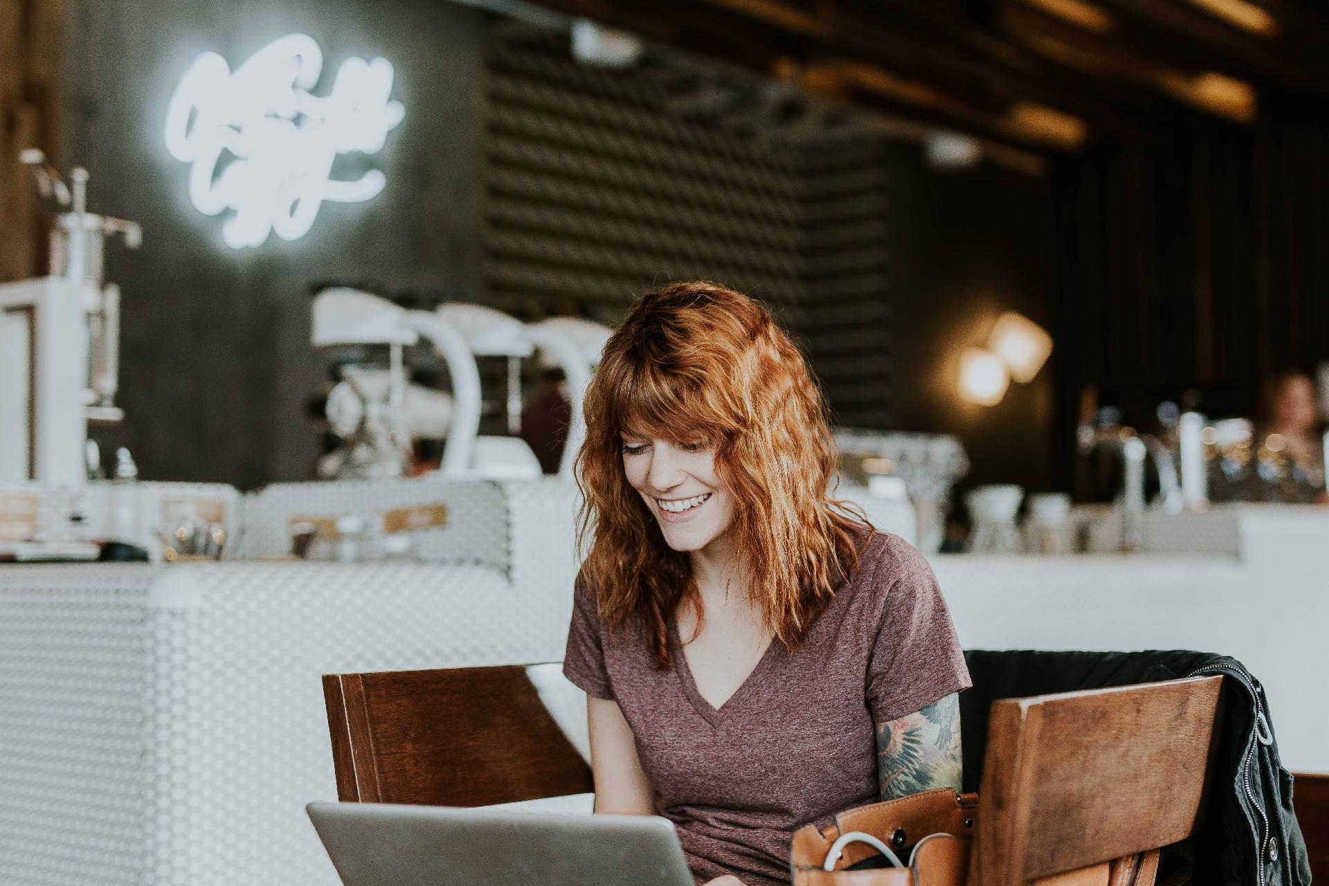 Genesys erfindet das Kunden- und Mitarbeitererlebnis neu_cmm360_Photo by Brooke Cagle on Unsplash