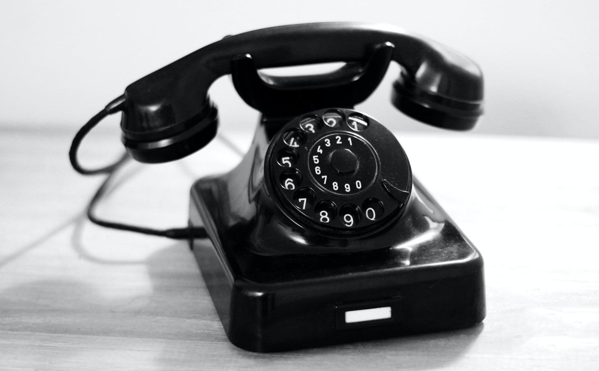 Die Zukunft der effizienten Kommunikation: Cloud-Telefonie_cmm360_Photo by Katrin Hauf on Unsplash
