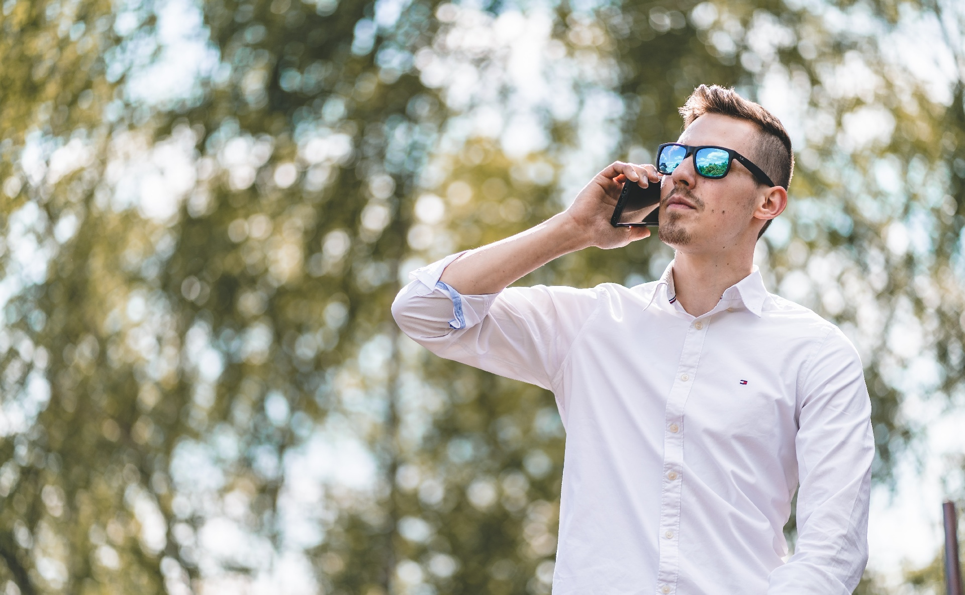 """""""Sprachsysteme-Report 2021"""": Sprachcomputer setzen den endlosen Warteschlaufen ein Ende_cmm360_Photo by Philipp Lansing on Unsplash"""