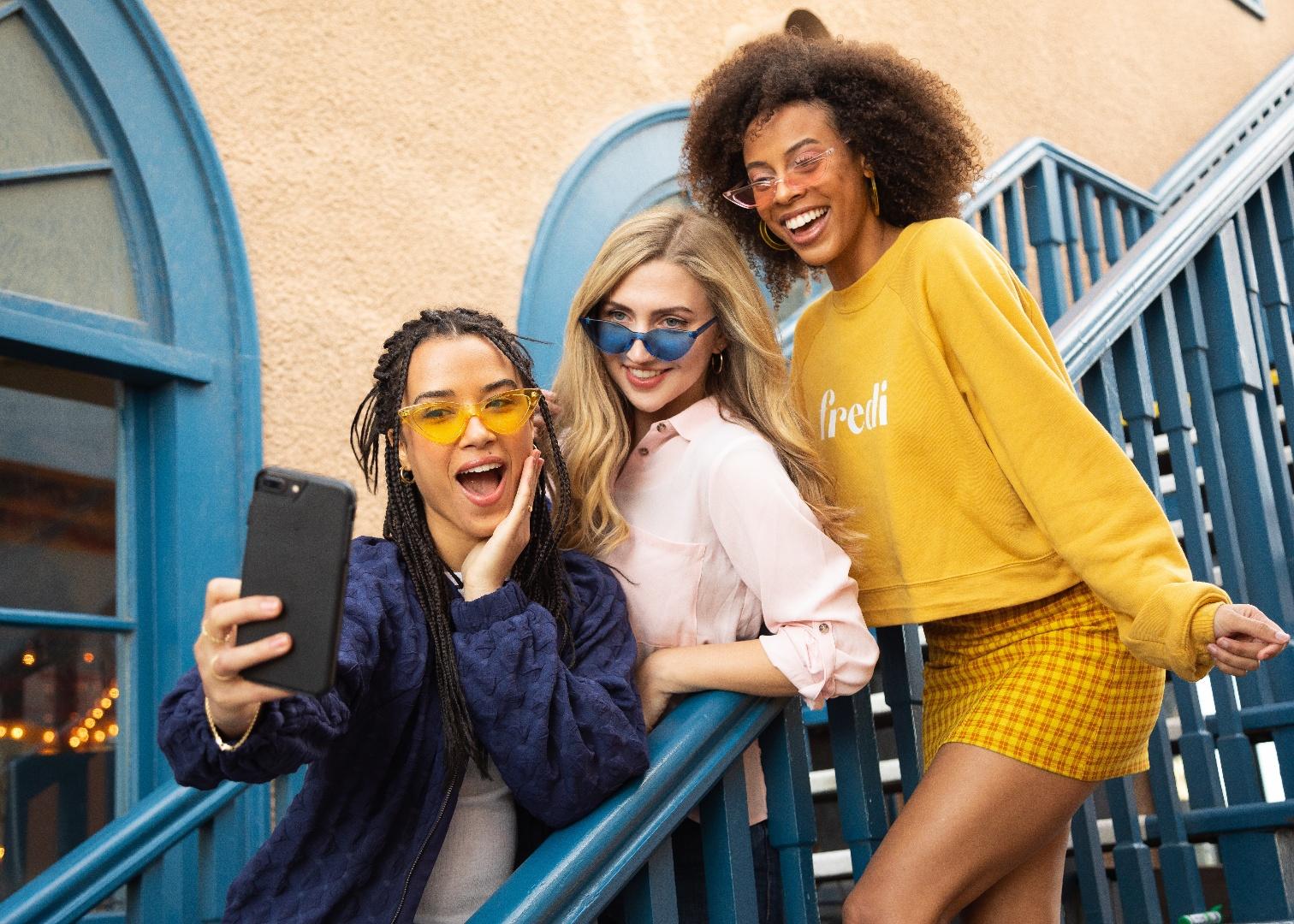Genesys kündigt Support für neues Instagram-Messaging an_cmm360_Photo by Team Fredi on Unsplash